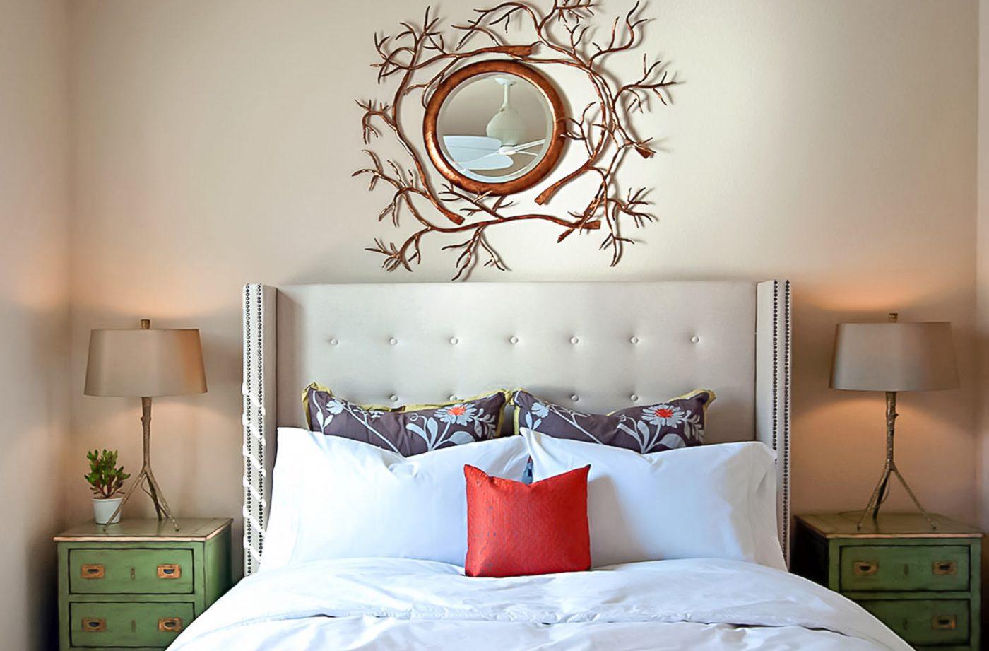 Desert contemporary residence tara dudley interiors for Tara louise interior decoration design